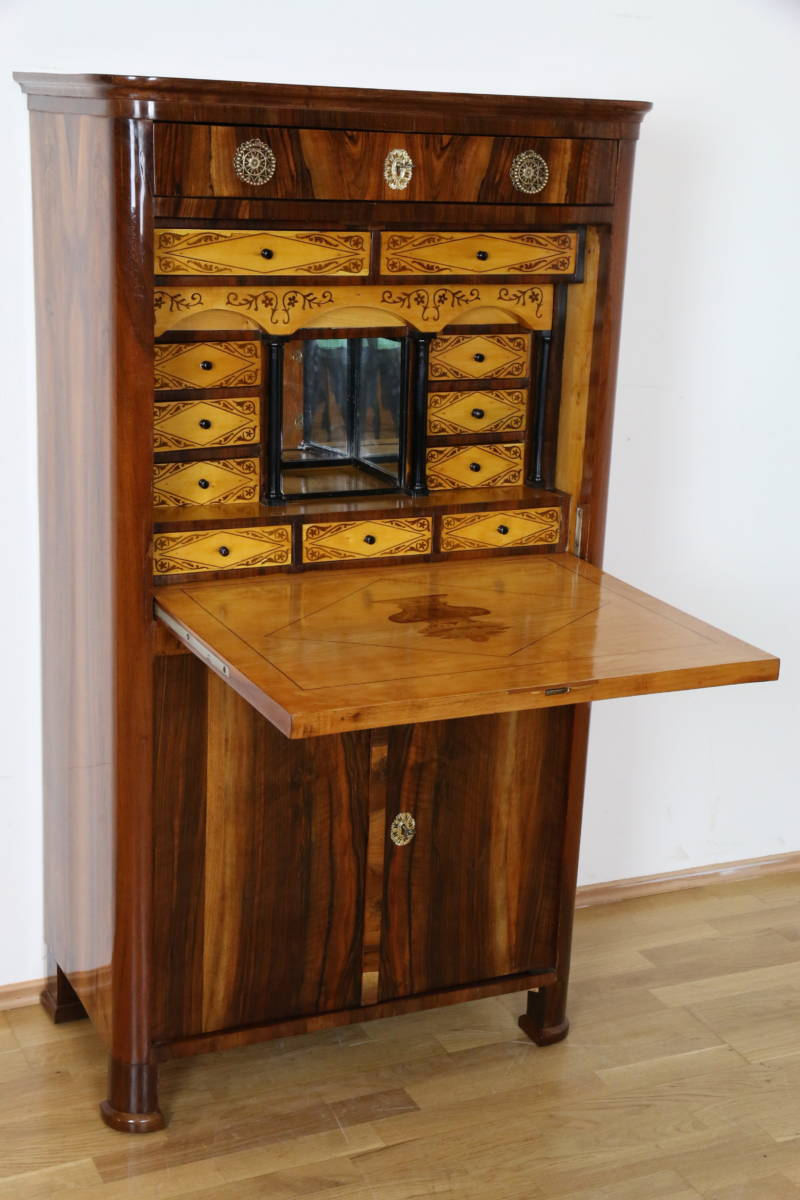 biedermeier schreibschrank sekret r in nussbaum wien um 1830 antike m bel. Black Bedroom Furniture Sets. Home Design Ideas
